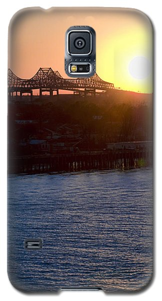 Galaxy S5 Case featuring the photograph English Turn Sunset In New Orleans by Ray Devlin