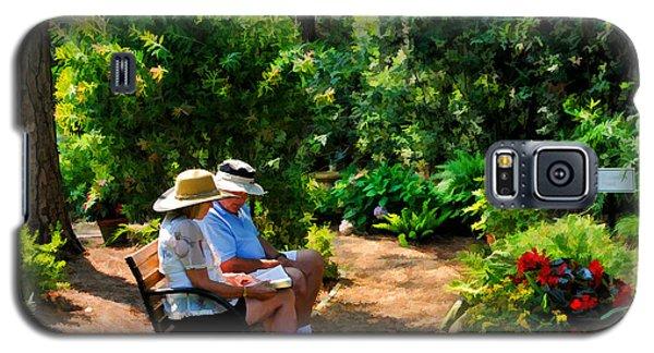 Loving Couple Enjoying Their Prayer Garden Galaxy S5 Case