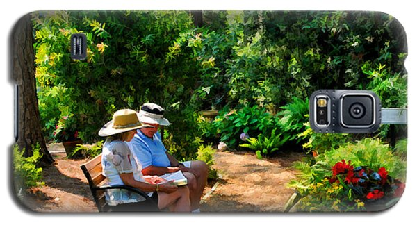 Loving Couple Enjoying Their Prayer Garden Galaxy S5 Case