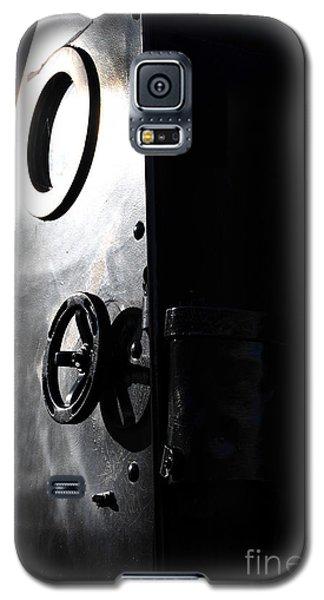Enter The Submarine Galaxy S5 Case
