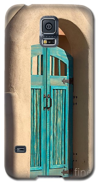 Galaxy S5 Case featuring the photograph Enter Turquoise by Barbara Chichester