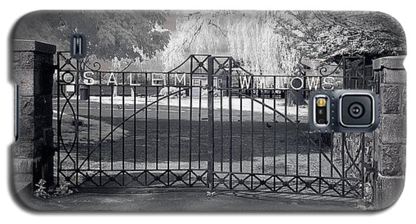 Entry To Salem Willows Galaxy S5 Case by Jeff Folger