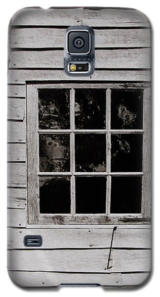 Galaxy S5 Case featuring the photograph Ephrata Cloisters Window by Jacqueline M Lewis