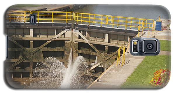 Galaxy S5 Case featuring the photograph Erie Canal Lock by William Norton