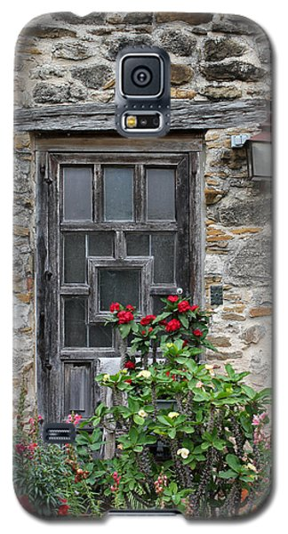 Espada Doorway With Flowers Galaxy S5 Case