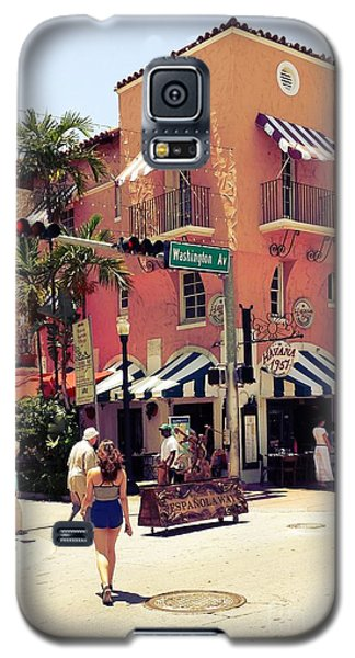 Galaxy S5 Case featuring the photograph Espanola Way by Judy Kay