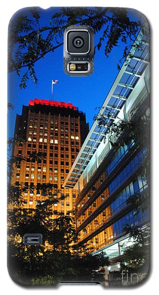 Evening At Ppl Plaza - Allentown Pa  Vertical Galaxy S5 Case