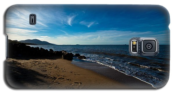 Galaxy S5 Case featuring the photograph Evening Beach by Carole Hinding