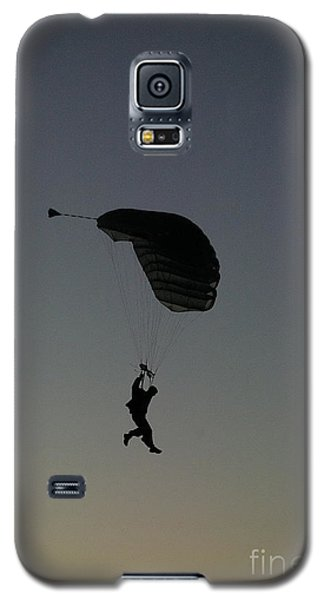 Galaxy S5 Case featuring the photograph Evening Landing by Tannis  Baldwin