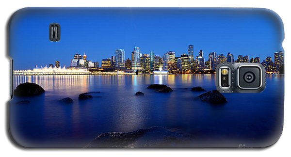 Evening Moon Over Vancouver Harbour 2 Galaxy S5 Case