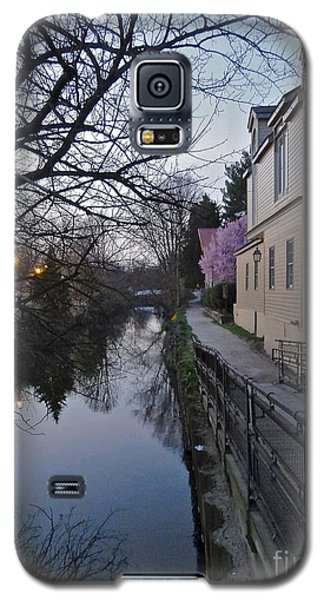 Evening On The Canal Path Galaxy S5 Case