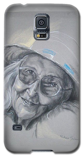 Galaxy S5 Case featuring the drawing Everybodys Grandma by Peter Suhocke