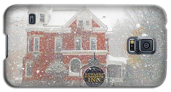 Edwards Waterhouse Inn In Winter Galaxy S5 Case
