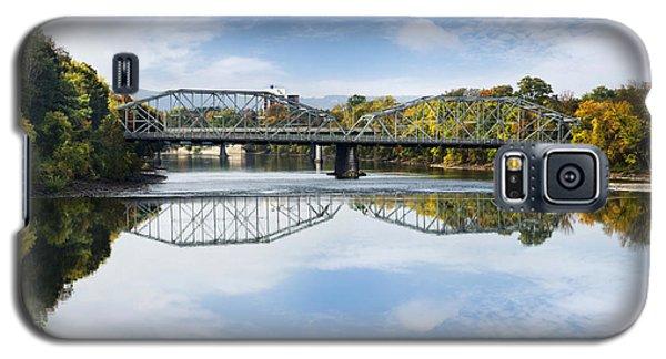 Galaxy S5 Case featuring the photograph Exchange St. Bridge Rock Bottom Dam Binghamton Ny by Christina Rollo