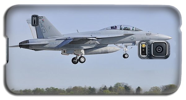 Galaxy S5 Case featuring the photograph F/a-18e/f Super Hornet by Dan Myers