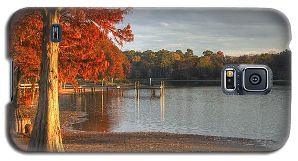 Galaxy S5 Case featuring the photograph Fall At Georgia Lake by Donald Williams