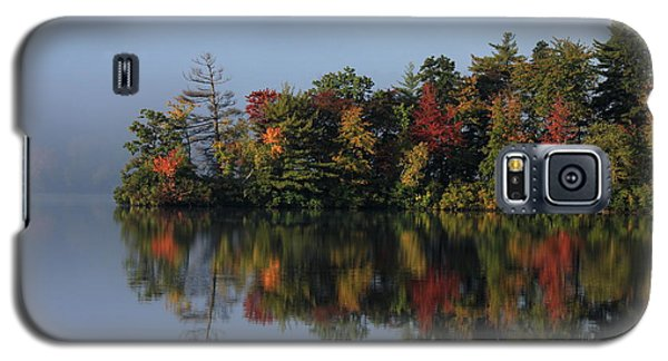 Fall At Heart Pond Galaxy S5 Case