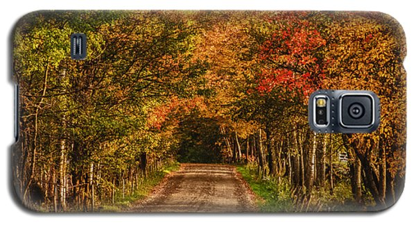 Galaxy S5 Case featuring the photograph Fall Color Along A Dirt Backroad by Jeff Folger