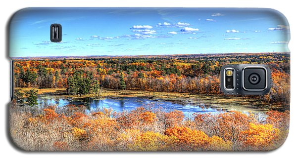 Fall Colors At Itasca State Park Galaxy S5 Case by Shawn Everhart