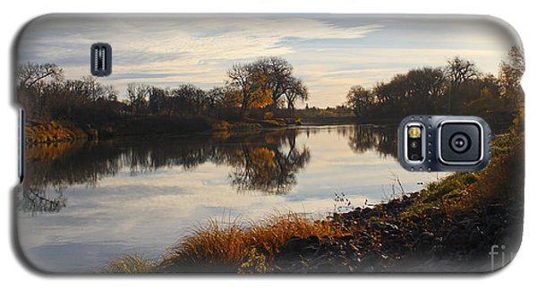 Fall Red River At Sunrise Galaxy S5 Case by Steve Augustin