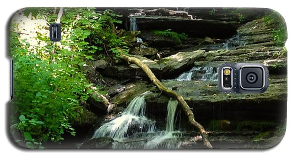 Galaxy S5 Case featuring the photograph Falling Water by Alan Lakin