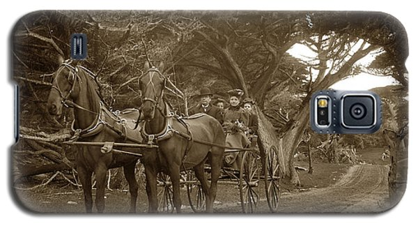 Family Out Carriage Ride On The 17 Mile Drive In Pebble Beach Circa 1895 Galaxy S5 Case