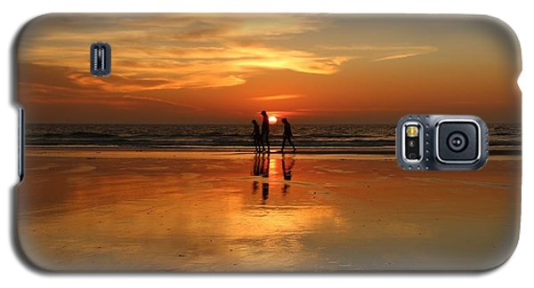 Family Reflections At Sunset -3  Galaxy S5 Case
