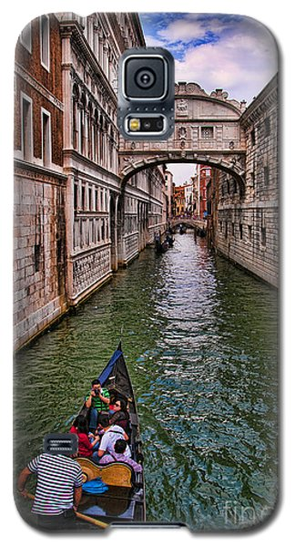 Family Trip Under The Bridge Of Sighs Galaxy S5 Case