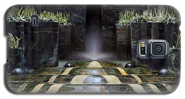 Galaxy S5 Case featuring the photograph Fantastic Fountain by Glenn DiPaola