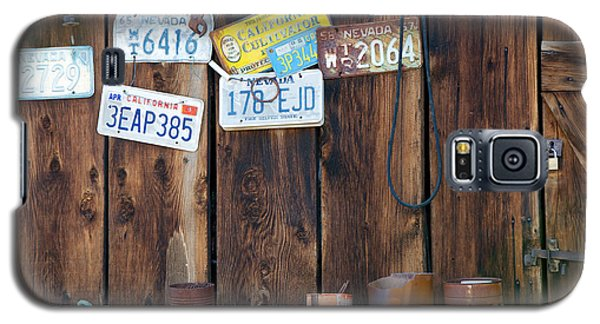 Galaxy S5 Case featuring the photograph Farm Shed Memories by Vinnie Oakes