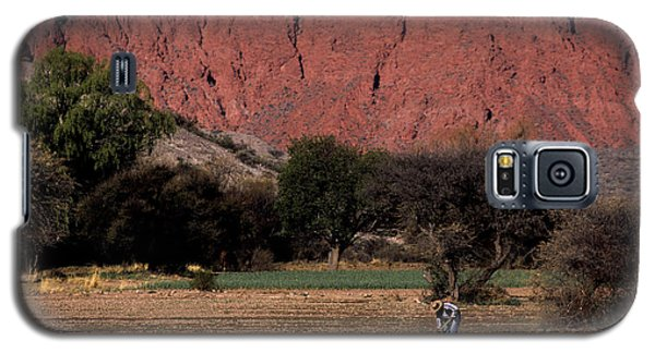 Farmer In Field In Northern Argentina Galaxy S5 Case