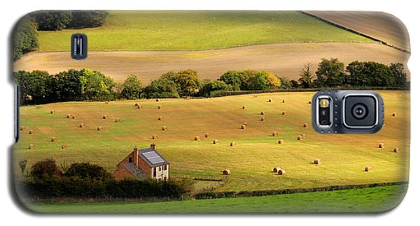 Farmhouse In English Field Galaxy S5 Case