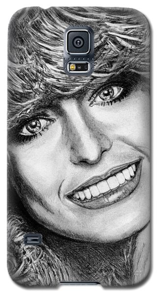 Galaxy S5 Case featuring the drawing Farrah Fawcett In 1976 by J McCombie
