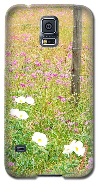 Fence Post And Flowers Galaxy S5 Case