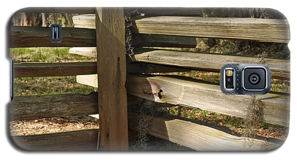 Fence Posts In Jekyll Island's Historic District Galaxy S5 Case