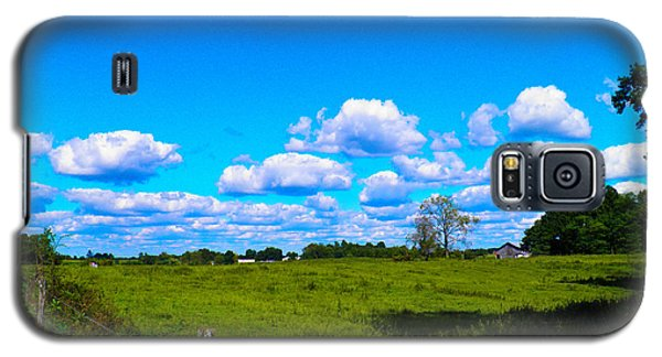 Fence Row And Clouds Galaxy S5 Case by Nick Kirby