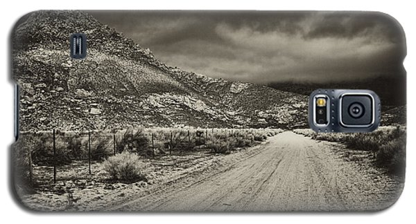 Galaxy S5 Case featuring the photograph Fenceline And Dirt Road by Hugh Smith