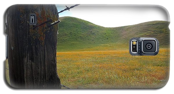 Fencepost On The 58 Galaxy S5 Case by Paul Foutz