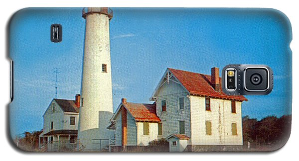 Fenwick Island Lighthouse 1950 Galaxy S5 Case by Skip Willits