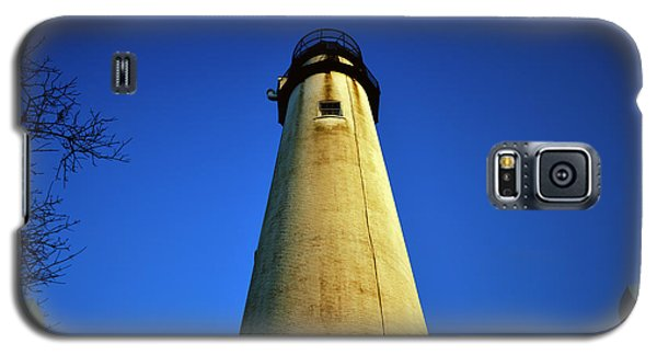 Galaxy S5 Case featuring the photograph Fenwick Island Lightouse And Blue Sky by Bill Swartwout