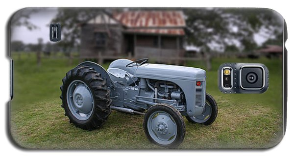 Galaxy S5 Case featuring the photograph Fergie Tractor by Keith Hawley