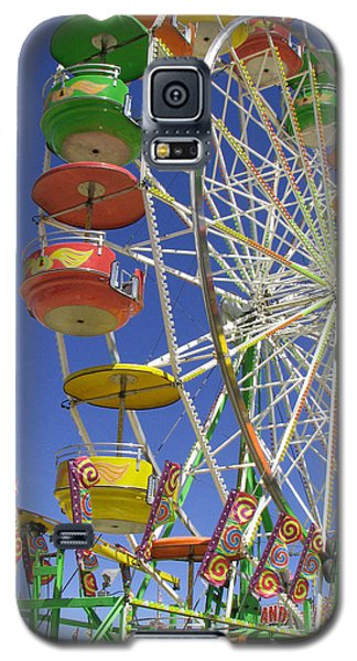 Galaxy S5 Case featuring the photograph Ferris Wheel by Marcia Socolik