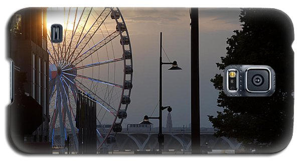 Galaxy S5 Case featuring the photograph Ferris Wheel Sunset 1 by James Granberry
