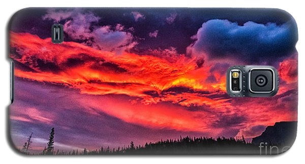 Fiery Sunrise At Glacier National Park Galaxy S5 Case