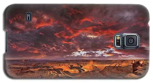 Galaxy S5 Case featuring the photograph Fiery Sunrise Over Dead Horse Point State Park by Sebastien Coursol