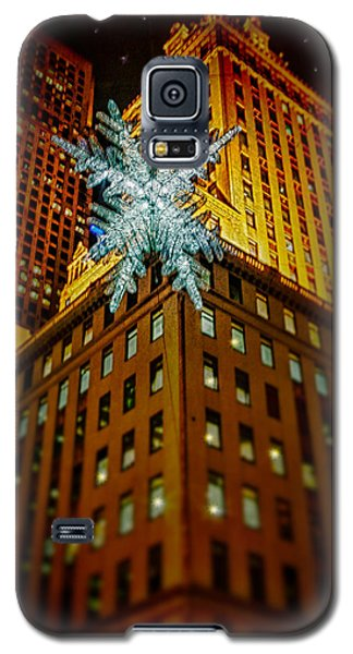 Galaxy S5 Case featuring the photograph Fifth Avenue Holiday Star by Chris Lord