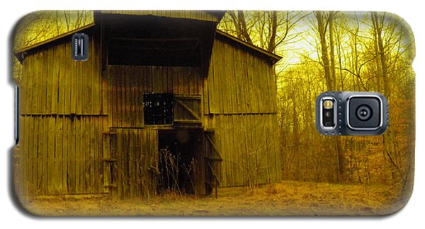 Galaxy S5 Case featuring the photograph Filtered Barn by Nick Kirby