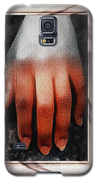 Galaxy S5 Case featuring the photograph Fingers On A Rock Framed by Kellice Swaggerty