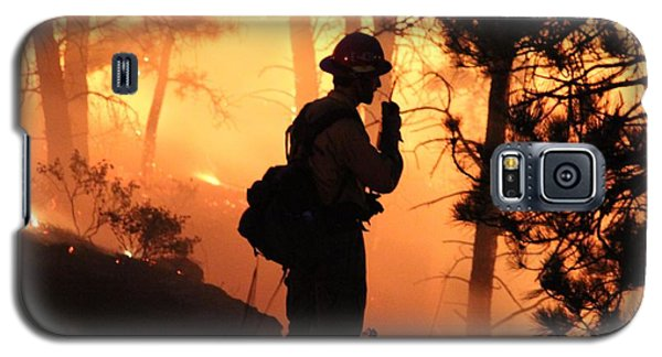 Firefighter At Night On The White Draw Fire Galaxy S5 Case