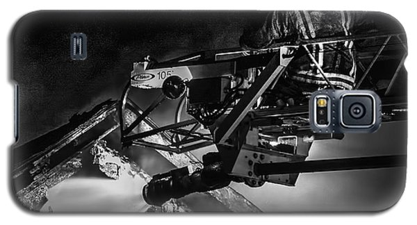 Firefighter At Work Galaxy S5 Case by Jim Lepard